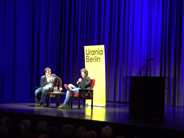 test Twitter Media - Robert Habeck & Jürgen Wiebicke im Demokratie-Salon in der Urania Berlin heute Abend https://t.co/BznB19QMIs
