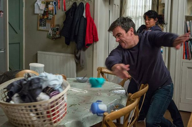 Cain Dingle to kill AGAIN on #Emmerdale as he loses the plot in Moira Dingle exit? #ITV https://t.co/62r0sGwXad