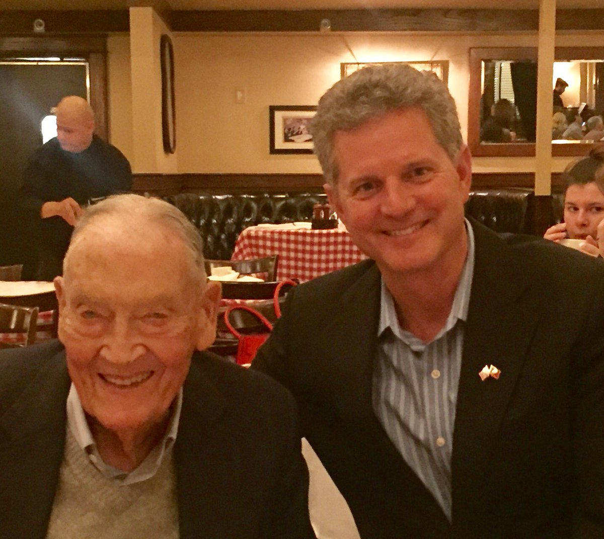 Most people choose the investment business to make money. Jack Bogle chose to make a difference. And he did...   RIP Jack Bogle <br>http://pic.twitter.com/u3NV4UfNBf