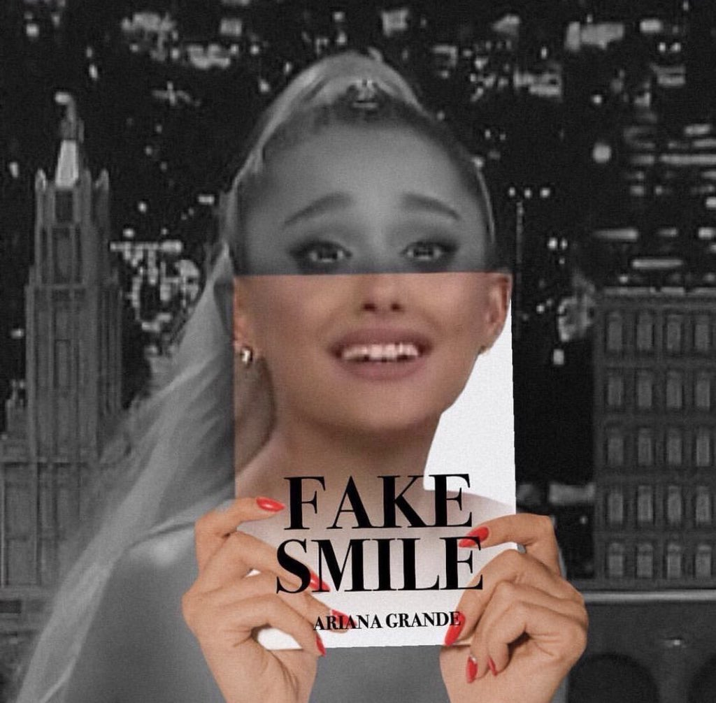 「ariana grande fake smile」的圖片搜尋結果