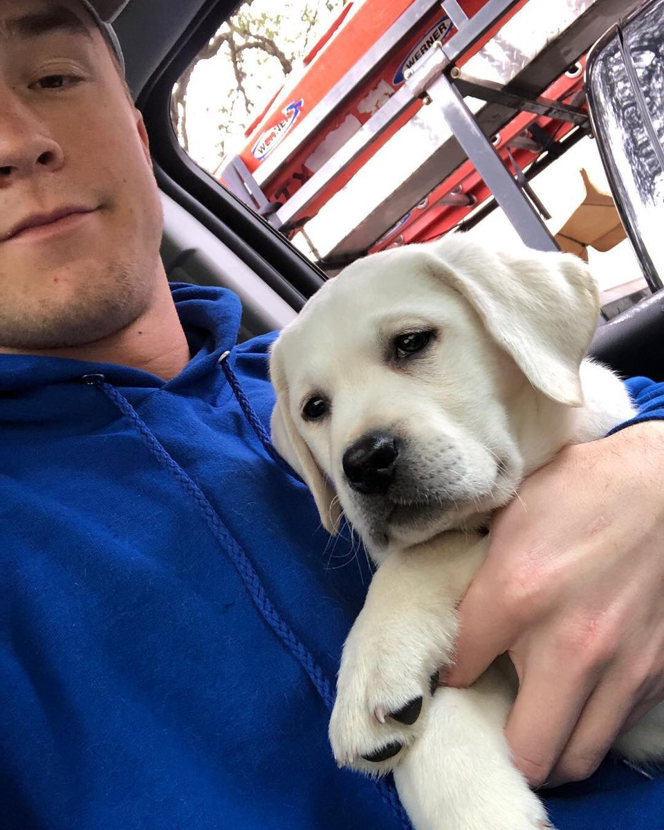Sam Ehlinger just got a puppy and named him Spur  this man 100% has his priorities in the right order. #ThisIsTexas #HookEm<br>http://pic.twitter.com/WRStsgVo5H