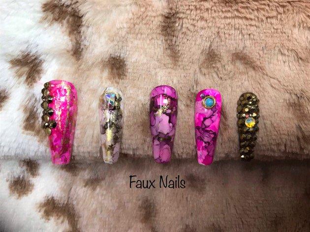 """Faux Nails http://nailartgallery.nailsmag.com/fauxnails/photo/568184/faux-nails?utm_source=dlvr.it&utm_medium=twitter… """