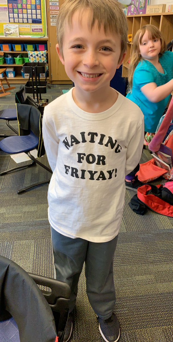 Happy hump day from Luke! #FriYay #harborviewES<br>http://pic.twitter.com/OqisO9Aoce