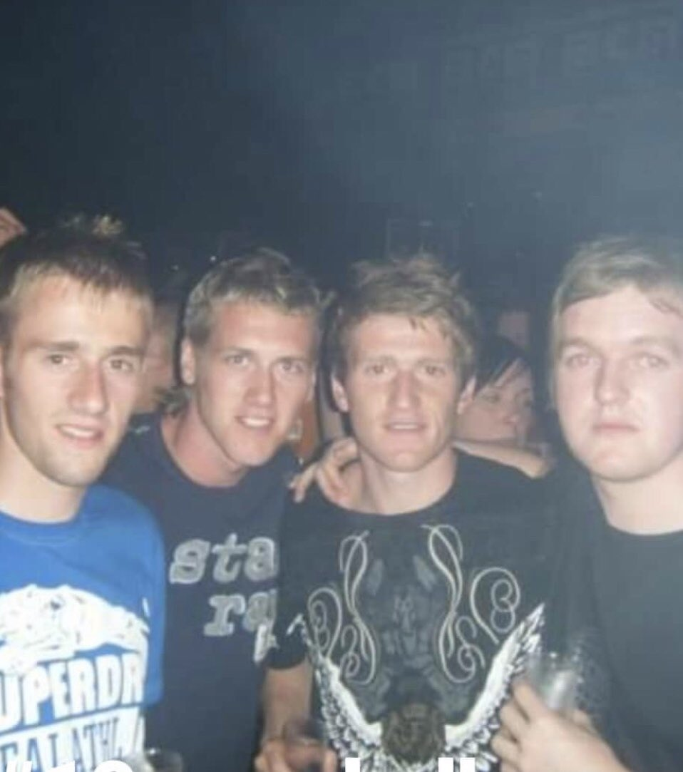 Me and the boys in Magaluf with @StevenDavis8 #10yearchallengue<br>http://pic.twitter.com/bvZC4wHZbb