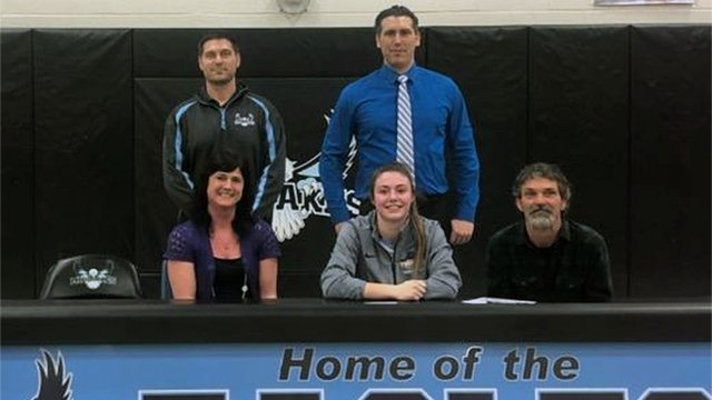 W-FL WEDNESDAY: Forbes ties school record & signs to play at