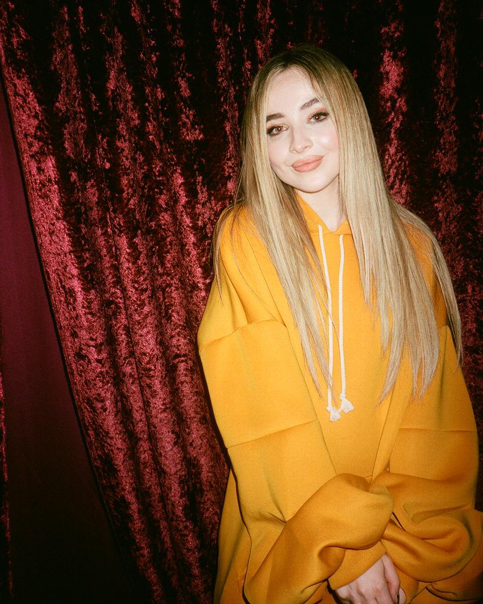 Haven't tweeted about how much I love @SabrinaAnnLynn in a few days so here I am ♥️