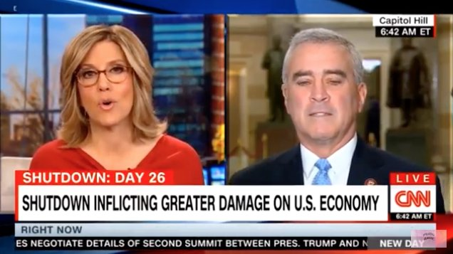 WATCH: CNN host fact-checks GOP lawmaker on-air for claiming diseases are &quot;pouring into&quot; US at border  http:// hill.cm/JmSrlgy  &nbsp;  <br>http://pic.twitter.com/w2kUhu9XGl