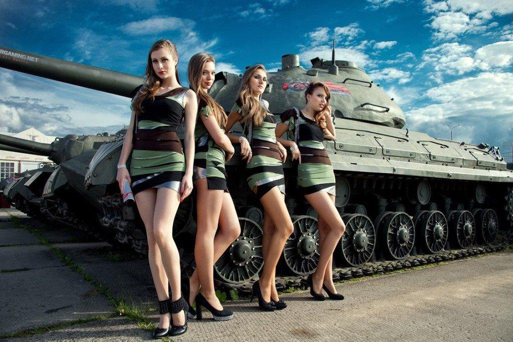 фото женщин на танке - 5