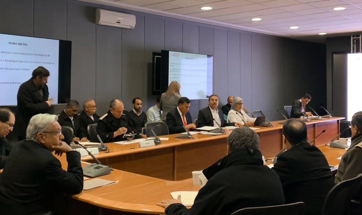 En la reunión nocturna del gabinete de seguridad confirmamos que se sigue avanzando hacia la normalización en el abasto de combustibles.