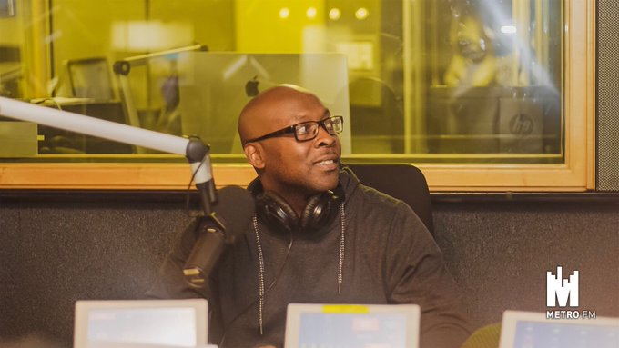 [ON AIR NOW] We're hanging out with the talent that is @AntonioLyons #FreshBreakfast Photo