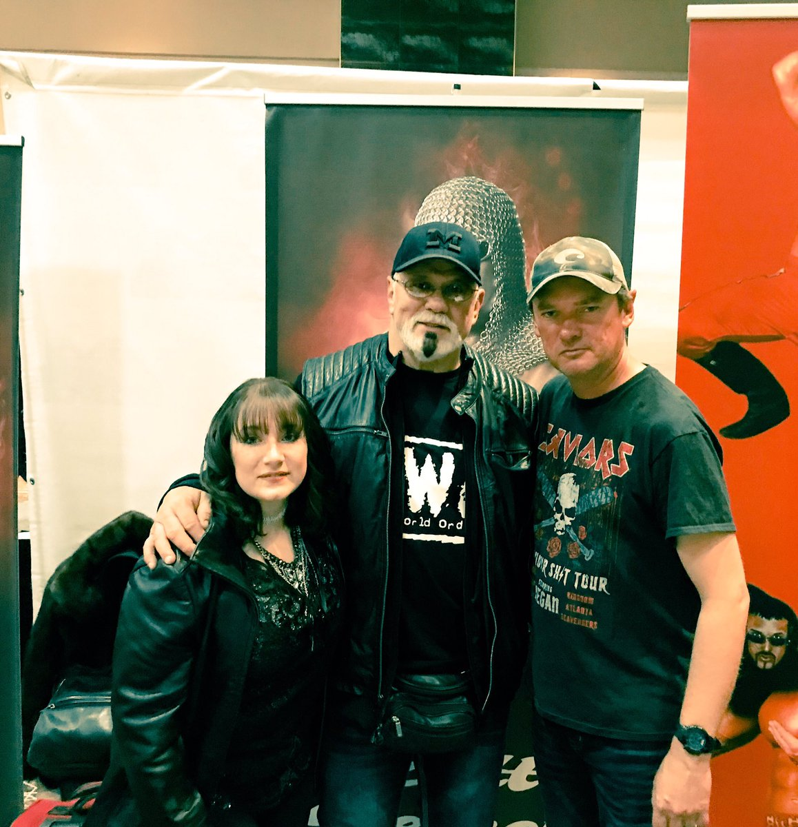 #ScottSteiner is such a nice guy! We had a great time meeting you @ScottSteiner !! #wrestlecade #nc #northcarolina #winstonsalem #bigpoppapump #scottsteiner #freakzilla #bigbadbootydaddy #wcw #nwo #newworldorder #wwe #wwf #impactwrestling #wolfpac #nothingfinerthanscottsteiner