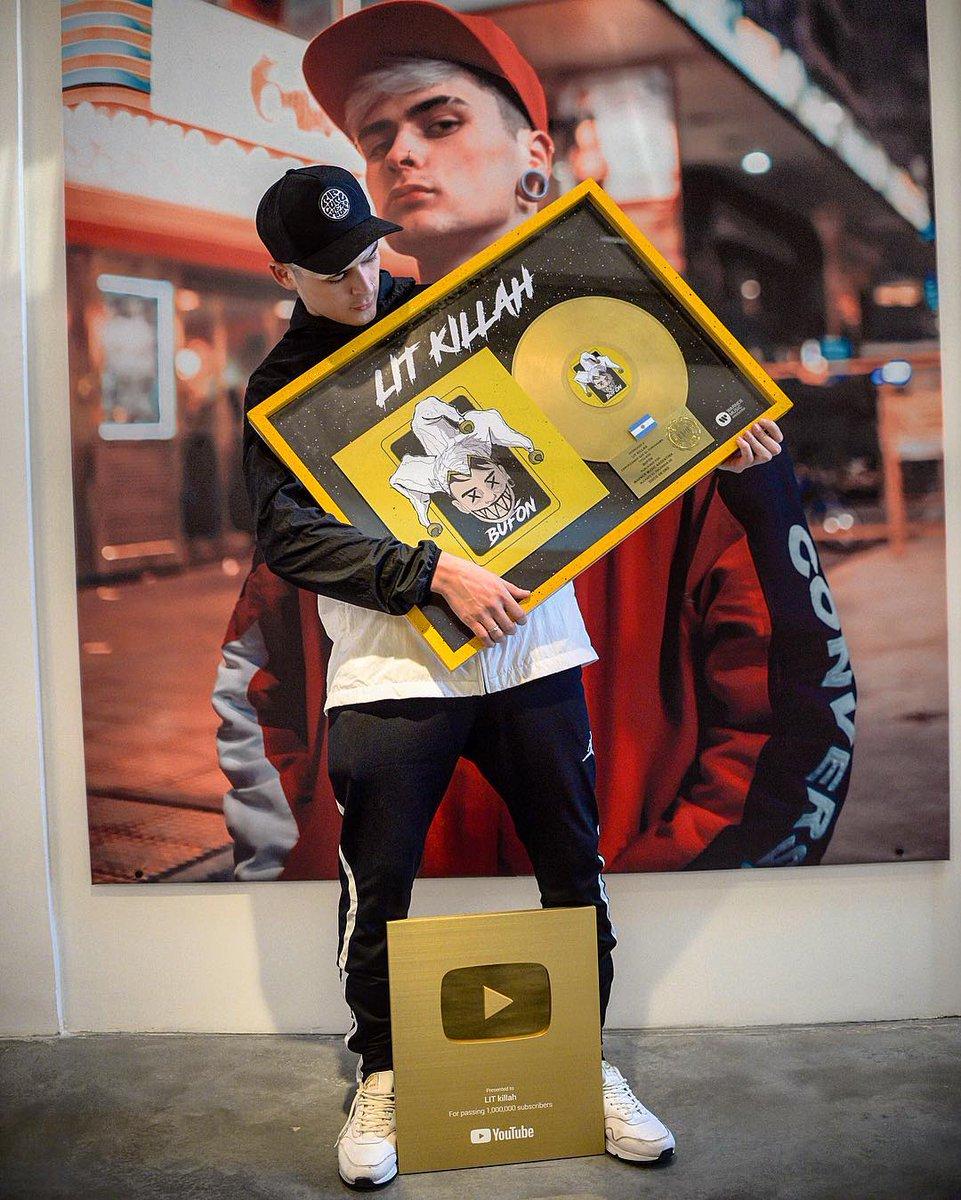 """Doppio colpo di Lit Killah! Il suo singolo """"Bufón"""" é stato certificato disco d'oro in Argentina e inoltre ha ricevuto la placca d'oro per aver raggiunto 1 milione di iscritti al suo canale YouTube 👏👏👏👏👏👏"""