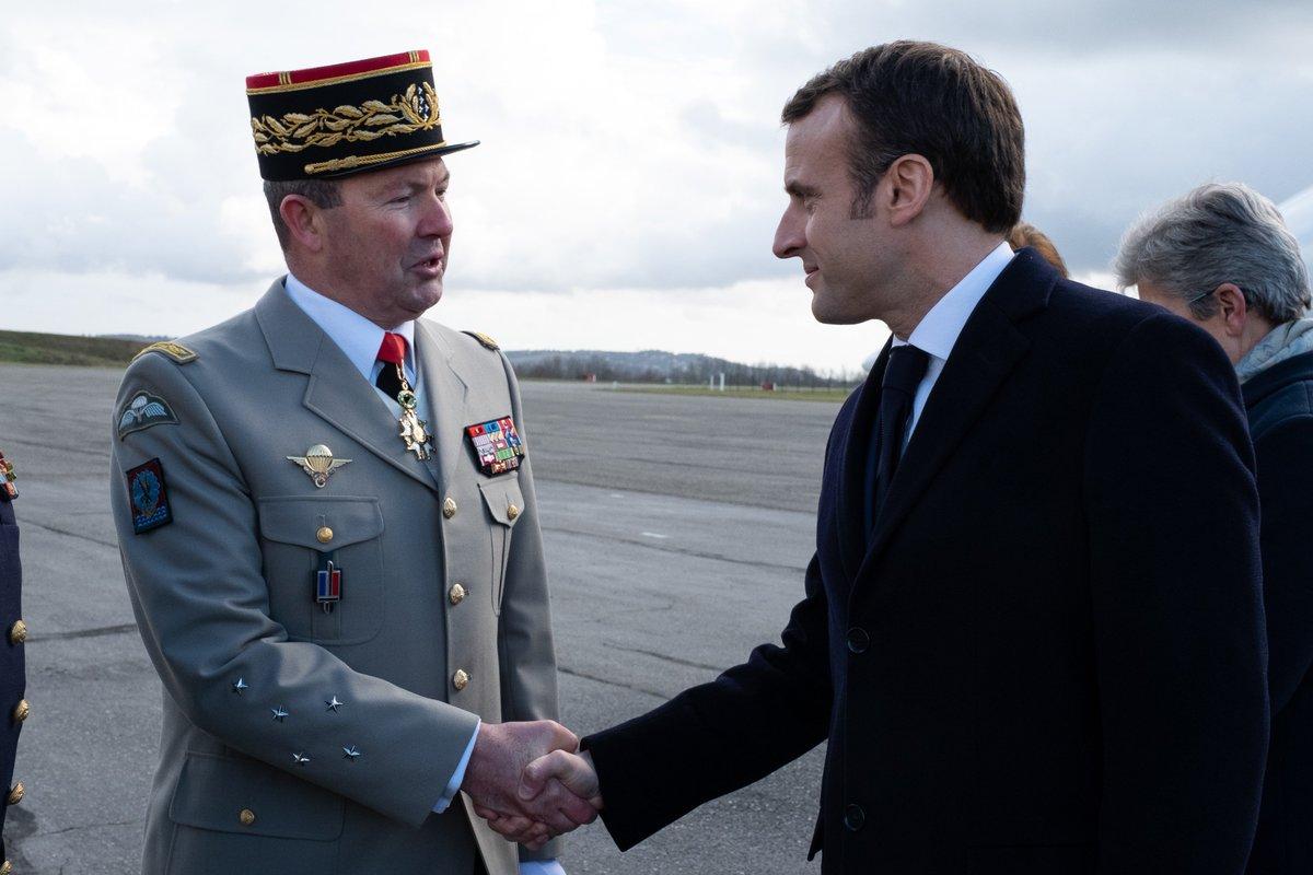 À Toulouse aujourd'hui pour accueillir @EmmanuelMacron, chef des armées, venu présenter ses vœux aux armées, au cœur de l'@armeedeterre et de la @11eBP.
