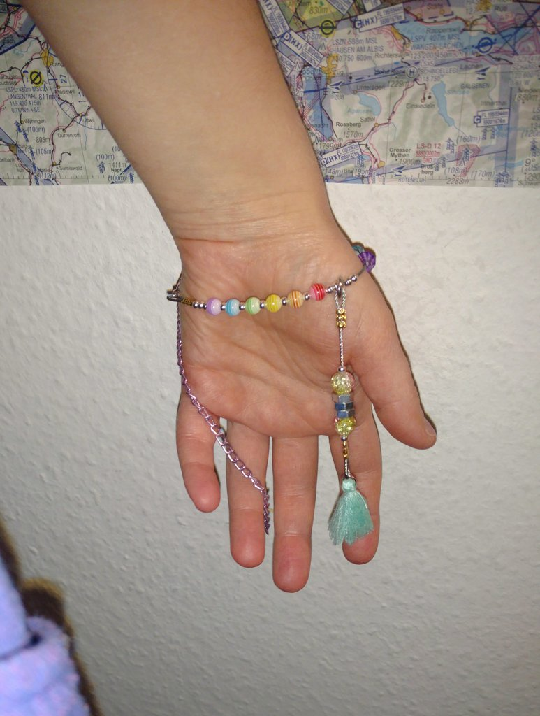 #stimyfactory stimmy bracelet donations request!  I make unique bracelets / handheld stim &amp; fidget toys.  since most people who need them (mentally ill, autistic, adhd, otherwise neurodivergent people) can&#39;t afford them, I&#39;m opening a giveaway fund.  more info in thread  <br>http://pic.twitter.com/UTnLXE6Mhy