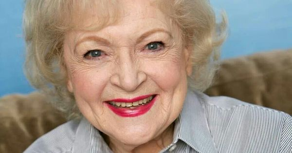 I just wanted to wish our Vegan Cult Leader, @BettyMWhite a Happy 97th Birthday.  I shall sacrifice a potato in your honor......muahahahahahhhhhh. ( seriously Though...., Happy Birthday, Gorgeous ladayyyyyyyy )<br>http://pic.twitter.com/n7xuwrQ4po