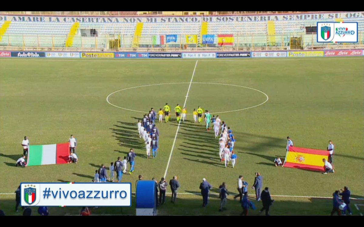 #Under19: #Italia 🇮🇹 vs #Spagna 🇪🇸 3️⃣-0️⃣ A #Caserta gli #Azzurrini iniziano nel migliore dei modi l'anno rifilando tre reti alle #FurieRosse: a segno #Esposito, #Zennaro e #Petrelli.  #ItaliaSpagna #U19  #ItaSpa #VivoAzzurro