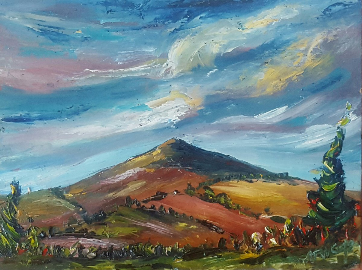 My 1st #painting of #2019 #Autmn Colours on #Croghan #oils #art #irishart #contemporaryart #landscapepaintingpic.twitter.com/McY89tKJnj