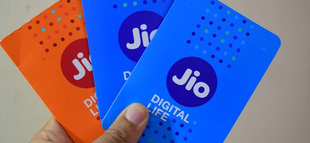 .@reliancejio Q3: Net Profit At Rs 831 Cr  #LIVE https://t.co/p1NGNEKN25