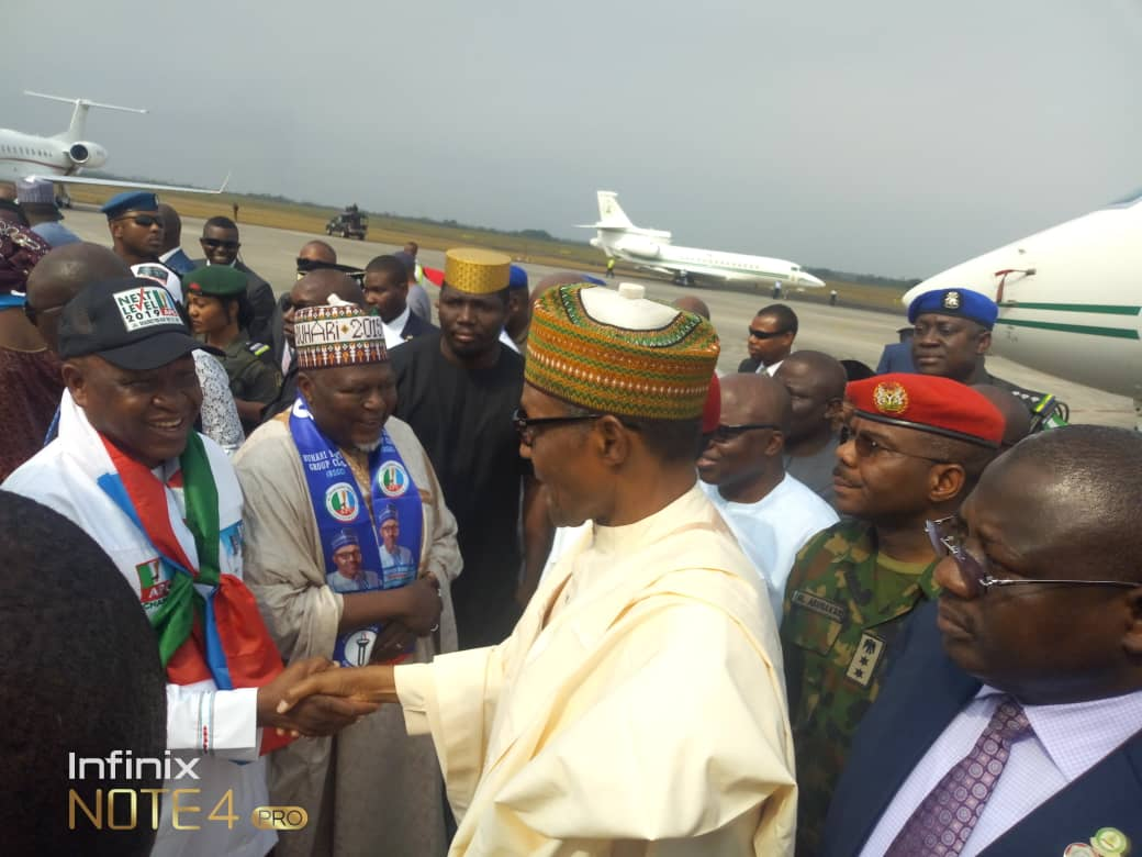 Hardworking government   Today,  Baba Buhari is in delta State to campaign for the re-election while the &quot;starboy&quot; is in Abuja attending to the country agricultural programs.   I love this government. <br>http://pic.twitter.com/Ot8jUbNk7V