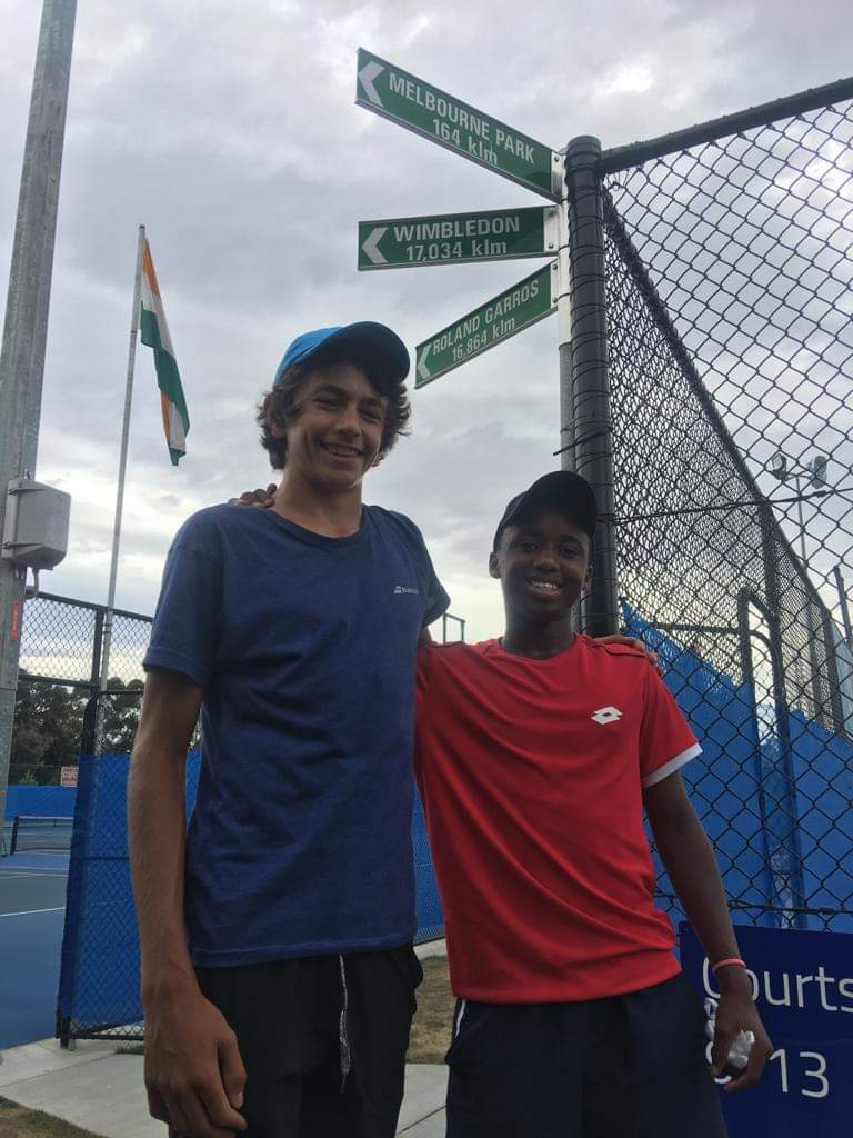 JUST IN! 16 Year old Kholo has qualified for the Main Draw of the Junior Australian Open. This is after a hearty performance against world No.77 Nini Gabriel Dica (4-6, 6-4 &amp; 6-4). He moves to Melbourne where he will rub shoulders with the likes of Novak Djokovic.  #AusOpen  <br>http://pic.twitter.com/TbEpOgUOoD