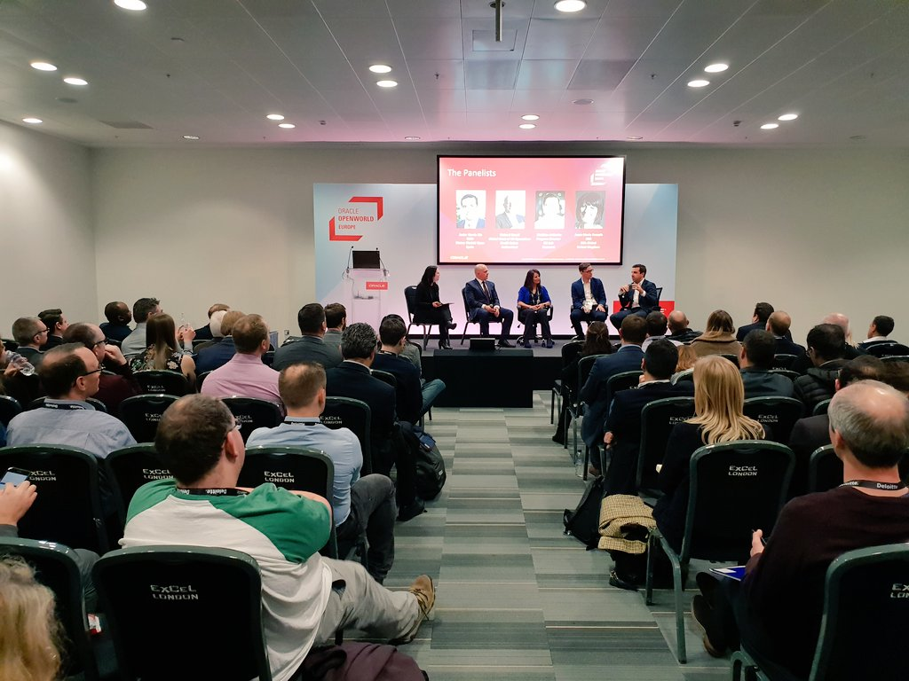 A lot of eyes fixated towards this expert panel at #OOWLON sharing their experiences of how chatbots and virtual assistants enhance their CX. @saraeklund @MathiasA @AnneMarieCCA #chatbots #CX #CustomerExperience #OracleConsulting #virtualassistant<br>http://pic.twitter.com/mB4yOKS6A3