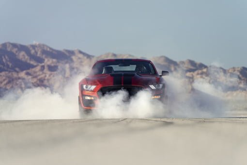 Ford Reintroduces the Mustang Shelby GT500 and Teases More Horsepower bit.ly/2RPOPgu