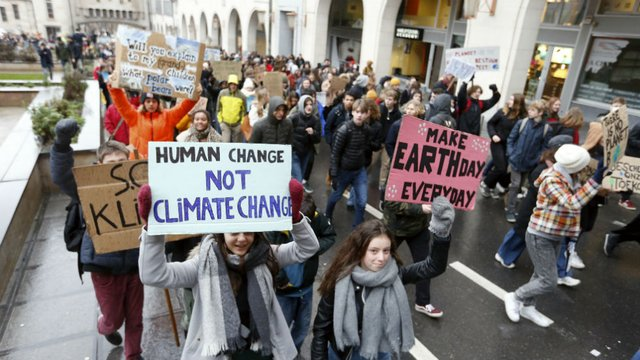 Over 12,000 Belgian students skip school for protest to demand action on climate change http://hill.cm/l9Vyvda