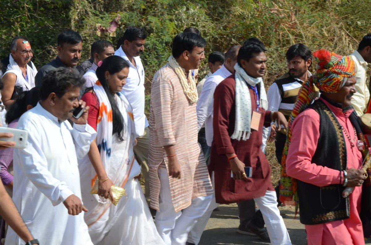 Mansukh Mandaviya undertakes PadYatra on 150th Birth Anniversary of Mahatma Gandhi