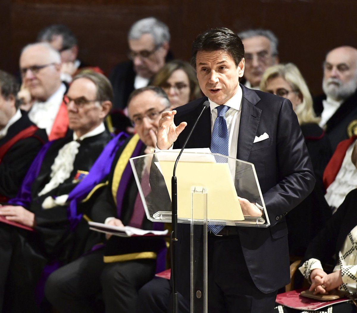 Il Presidente @GiuseppeConteIT ha partecipato all'inaugurazione dell'Anno Accademico dell'Università La Sapienza. Le foto, il video e il testo dell'intervento https://t.co/RcGPJOK99V