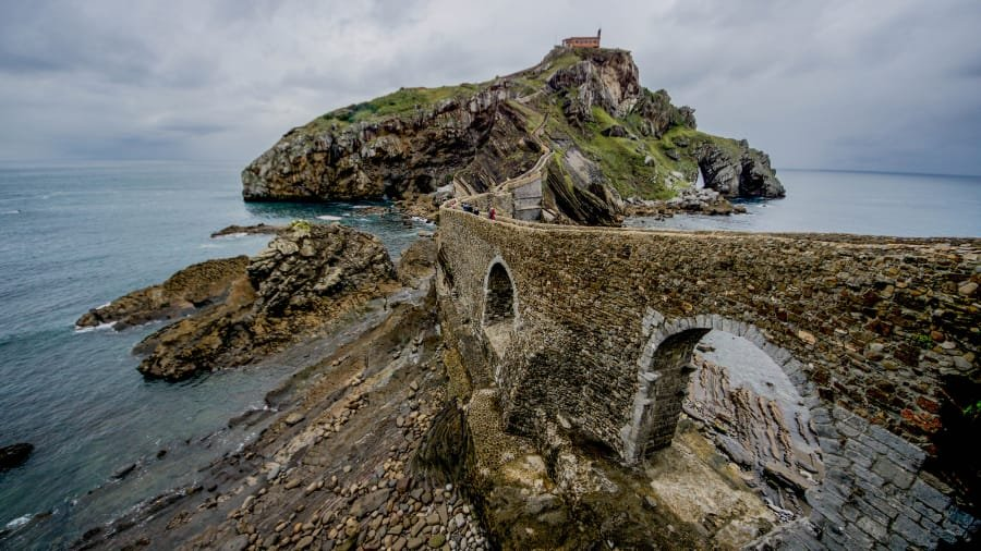 Some of the most gorgeous &quot;Game of Thrones&quot; filming locations are in Spain  https:// cnn.it/2FGCLHS  &nbsp;  <br>http://pic.twitter.com/gxsH85ZNRB