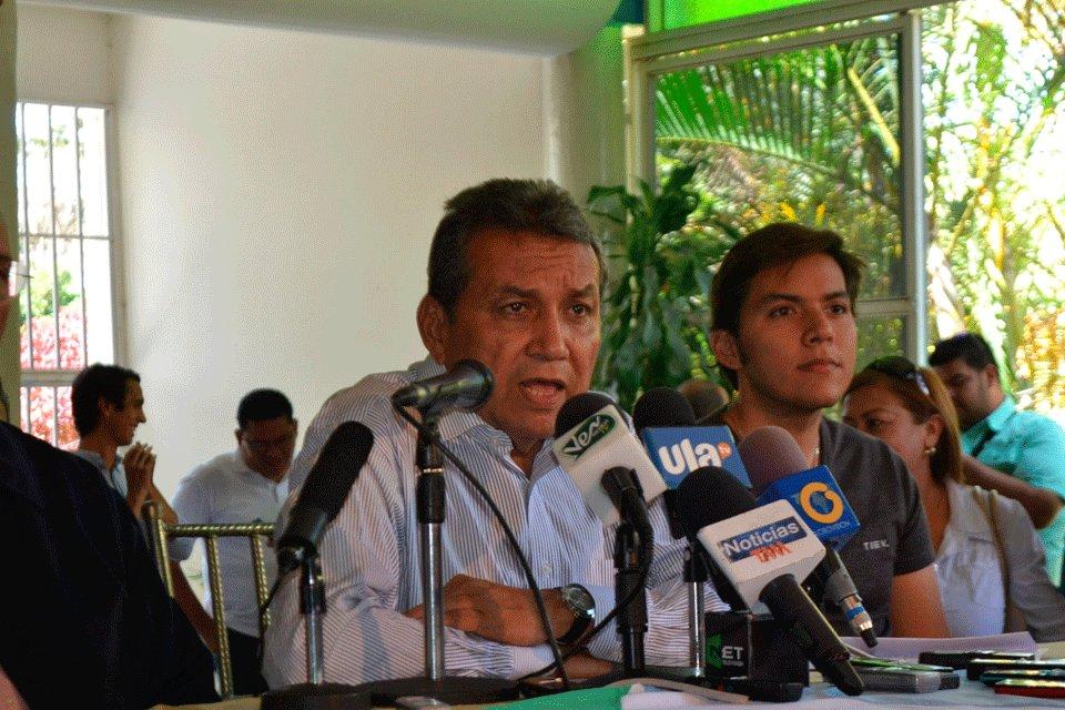 Simpatizantes del oficialismo intentaron tomar la gobernación de Mérida #TalCual #ClaroYRaspao #AmigosDeLoAjeno http://bit.ly/2T222zS