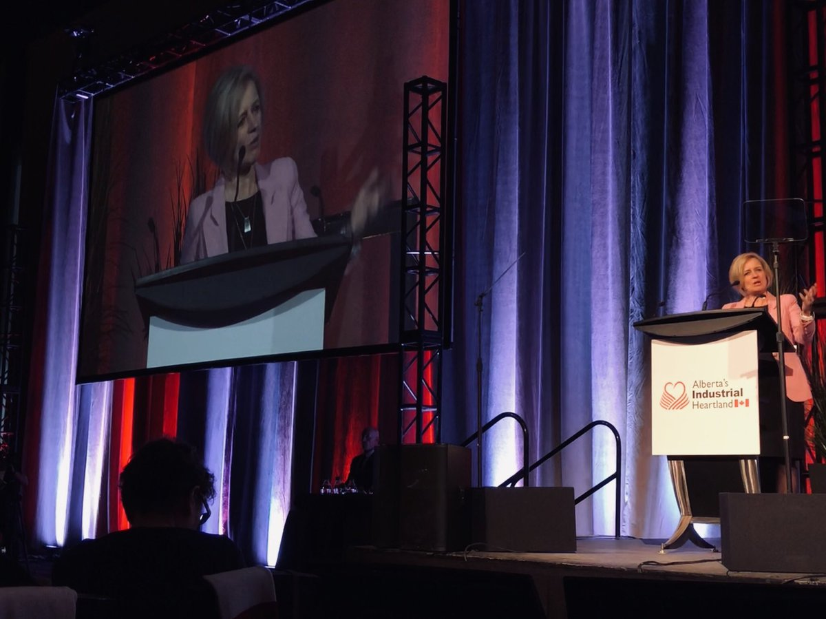 """We are undertaking the most ambitious energy diversification plan in Alberta's history since the days of Peter Lougheed."" @RachelNotley #abenergy  #ableg #abndp @ABheartland pic.twitter.com/5thsxRbC3e"