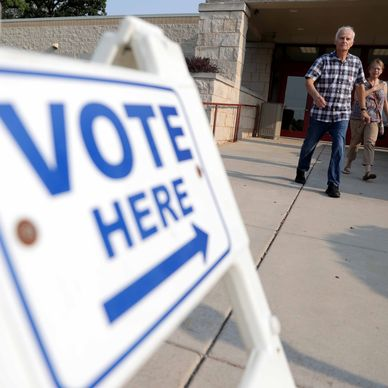 BREAKING: A federal judge struck down limits on early voting Republican lawmakers approved last month in a lame-duck session. https://t.co/n5W1IARi9E