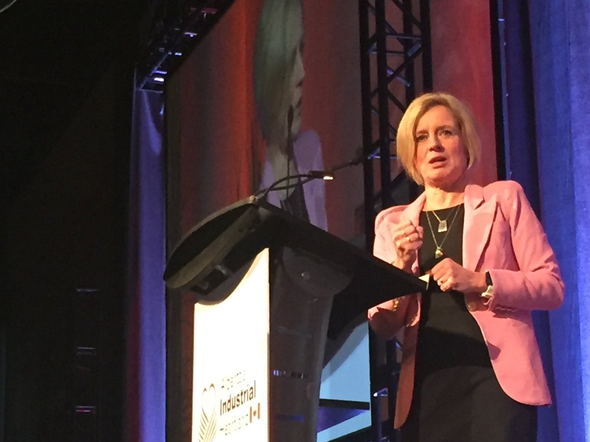 Premier @RachelNotley tells packed room of the 1,000 #abheartland representatives that the province is actively speaking with 14 companies about the next round of PDP program, 9 companies located in Heartland. #abpoli #strathco #fortsask #ABenergy