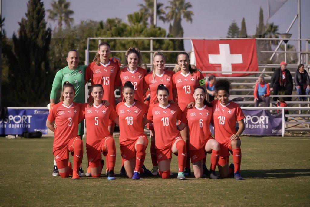 Erster Achtungserfolg für die Schweiz unter Nils Nielsen. Das Frauen-Nationalteam ringt der Weltnummer 5, Kanada in einem Trainingsspiel im spanischen Rota ein 0:0 ab! 🇨🇭⚽️✊🏻 #SUICAN #CampSpain