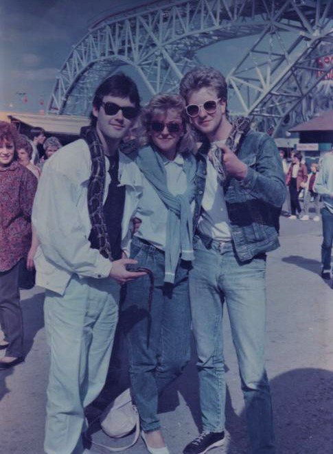 #ThrowbackThursday 1986, on a break between tours, visiting Blackpool with Mark, Lindsay and Hissing Sid. Foto