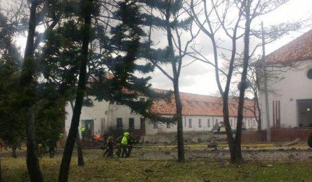 Explosão de carro em escola da polícia deixa pelo menos 8 mortos na Colômbia https://t.co/kwWUta08aD #G1