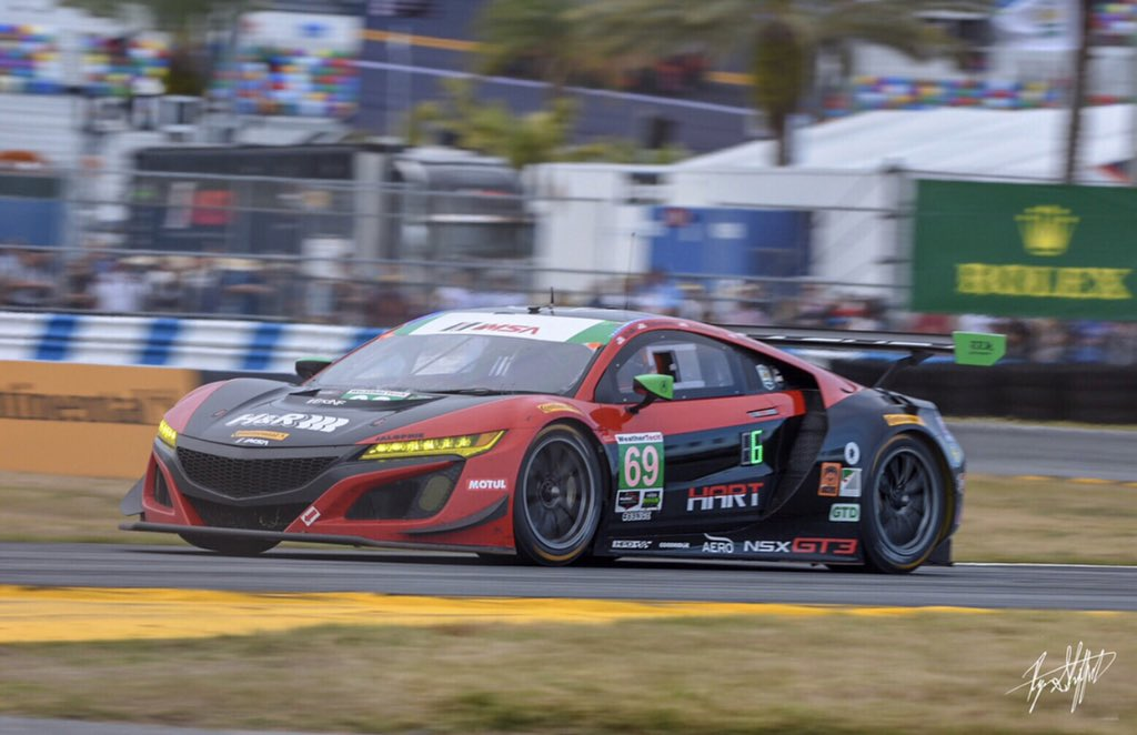 I was there! Wish I could be there next Friday to watch the new type R race<br>http://pic.twitter.com/VHGsnePrNW