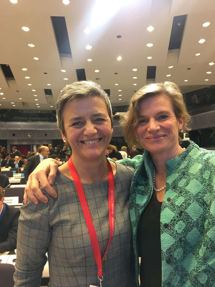 "test Twitter Media - Fantastic discussions in Brussels today organised by ⁦@Vestager⁩ on ""shaping competition policy in era of digitisation"" #EUcompdigit thank you! https://t.co/ciKprFkeiF"