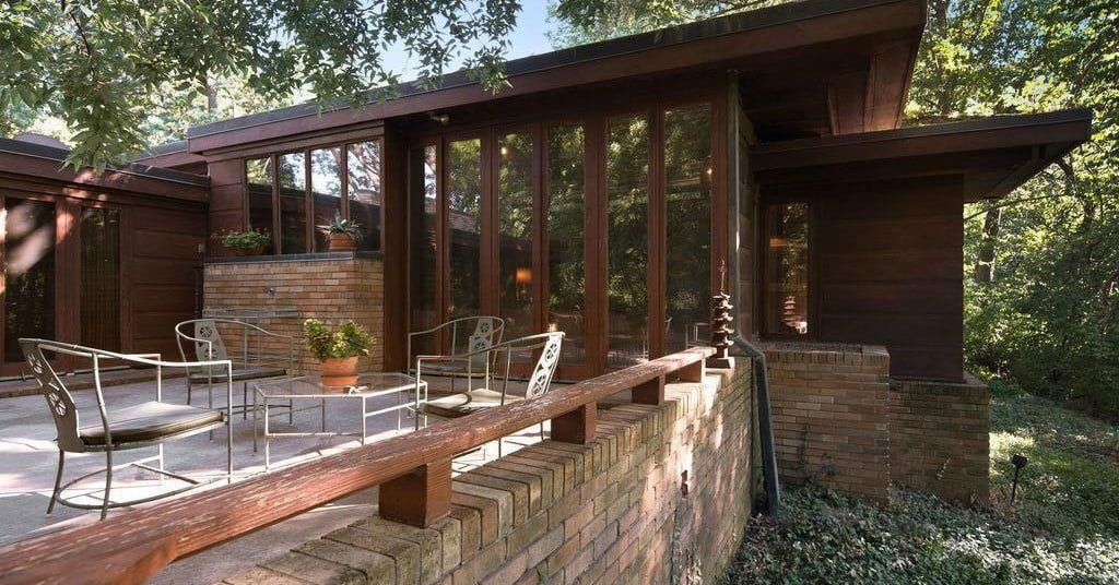 A Rare Usonian-Style Frank Lloyd Wright Home Is Up For Sale bit.ly/2ROjD12