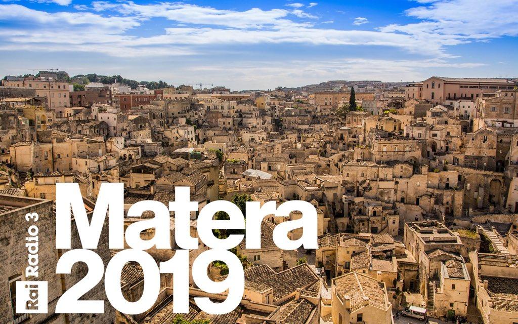 Verso #Matera2019: venerdì e sabato due giornate speciali con gli ospiti delle diverse edizioni di #Materadio e una diretta condotta da @marinosinibaldi. Il programma qui http://bit.ly/versomatera
