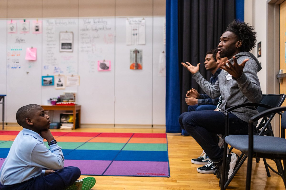 A 4th grader from @BRCPS watches @AlvinAiley2 dancer Chalvar Monteiro during Q&A. #ailey60 #celebrityseries #bostondance #bosarts @mass4charters https://t.co/mT9uesQIH9