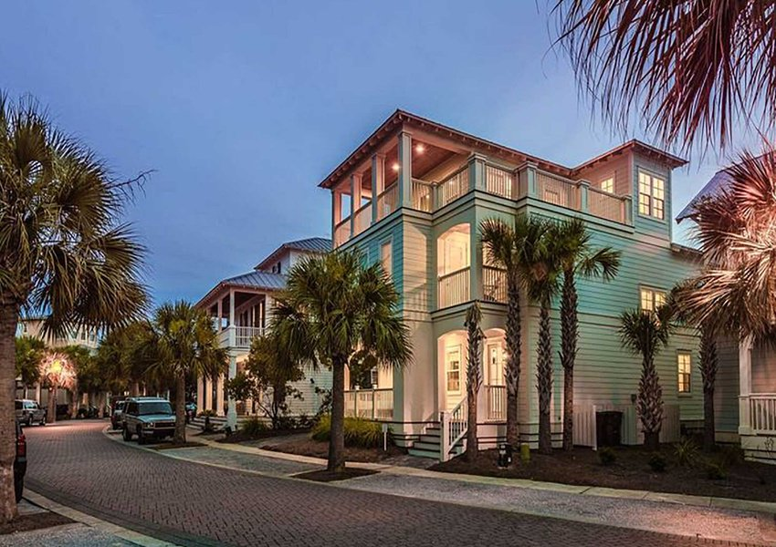 Here&#39;s a #ThursdayThought - Ditch the snow for sand in one of our 5BR+ homes this Winter and save 25%!  Simply click or tap to get started   http:// bit.ly/2RwqAEC  &nbsp;     #bookdirect #wintervacation #beachvacation #beachgetaway #coastalalabama #floridapanhandle #thursdaymotivation<br>http://pic.twitter.com/DbdrPQIHYi