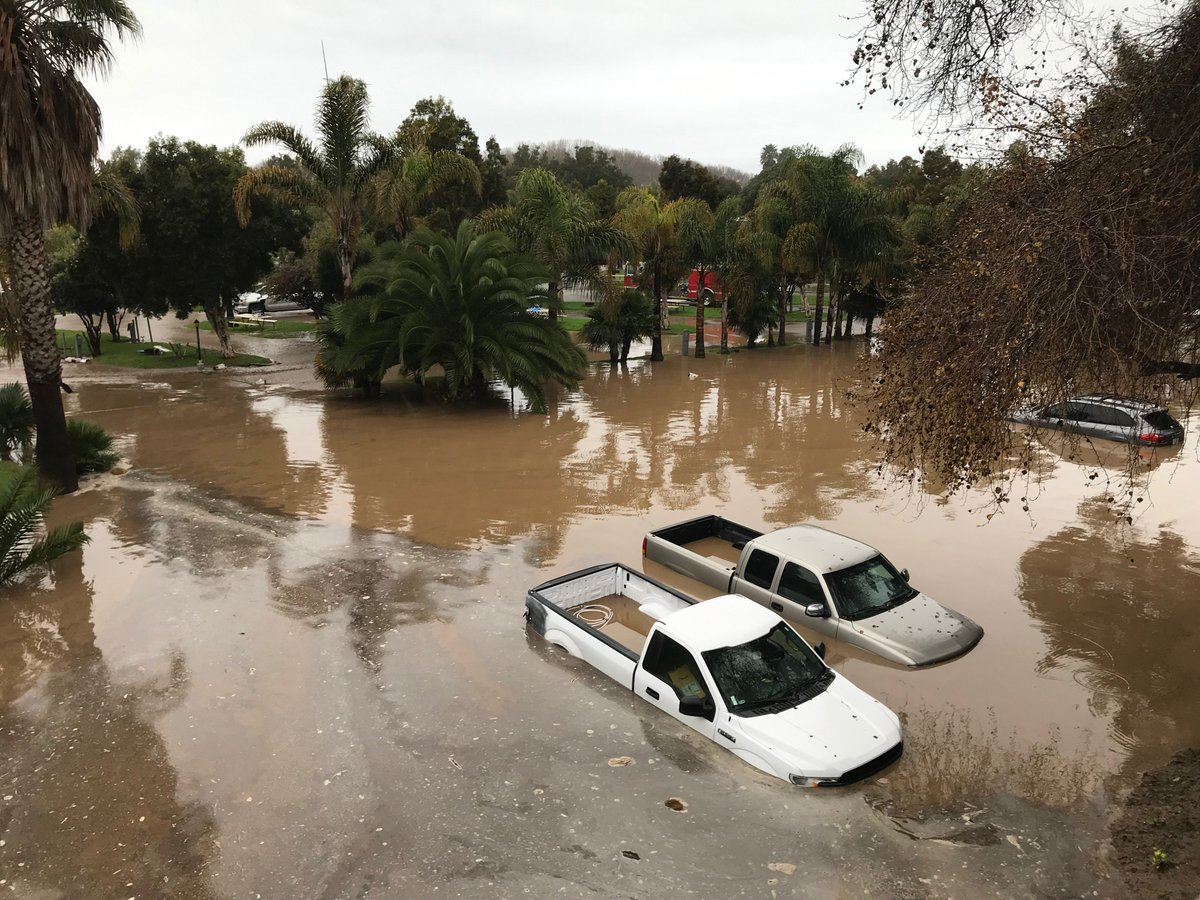 Mudslide in Hollywood Hills prompts evacuations while storm floods RV park in Ventura County - Los Angeles Times