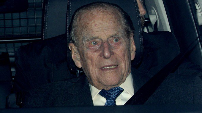 Prince Philip involved in Sandringham car crash https://t.co/kKAVJYOlwX