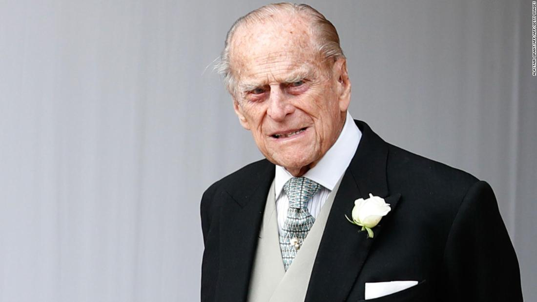 Great Britain's Prince Philip is uninjured after the Range Rover he was driving was involved in a crash, Buckingham Palace says https://t.co/uhxYtb5reA