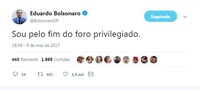 'Eu não quero foro privilegiado', disse Bolsonaro ao lado de Flávio em 2017. https://t.co/yAfgfCdkvn