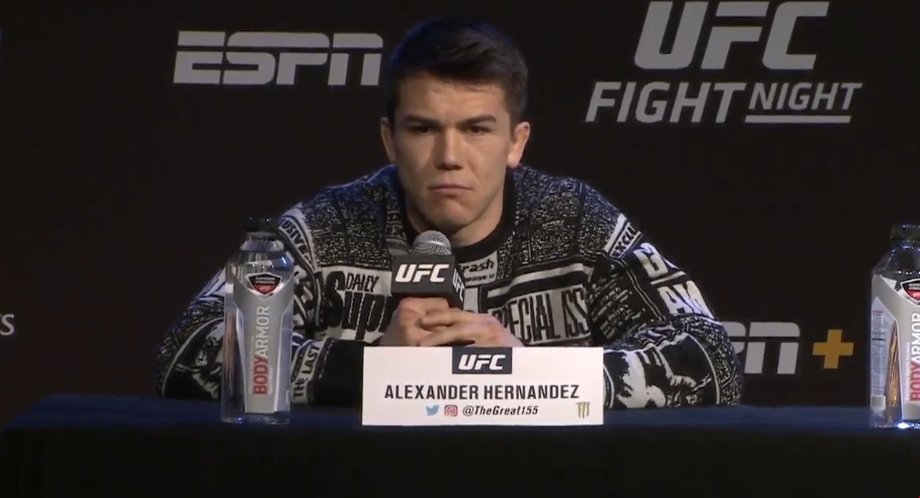 Alex Hernandez looks like the dickhead brother-in-law in every &#39;90s Christmas movie <br>http://pic.twitter.com/90Q3nNbB3z