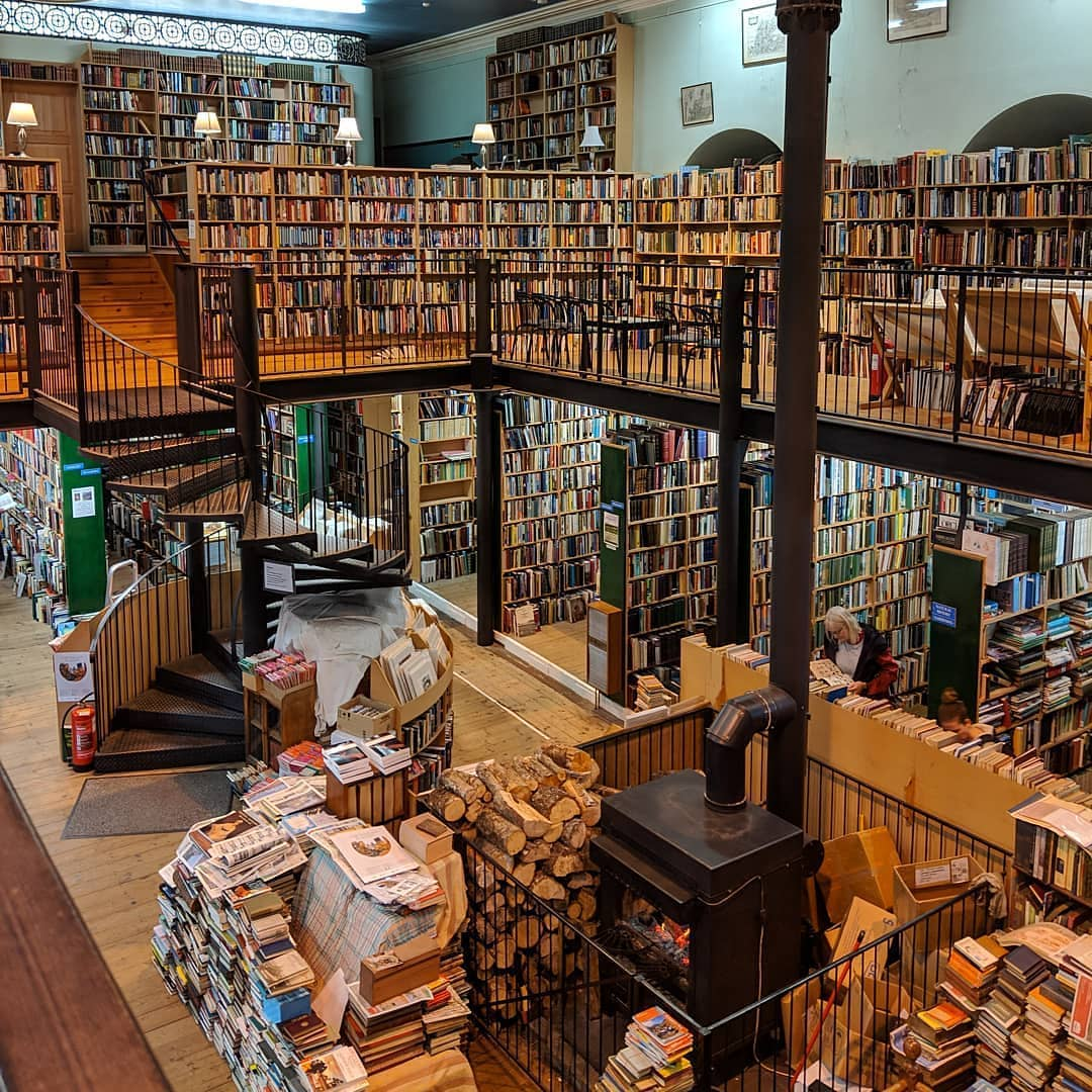 Here is Leakey&#39;s Bookshop, a hidden gem of #Inverness  And a book-lovers paradise  Hands up if YOU want to go!   Church St, Inverness  http:// instagram.com/mozicofo  &nbsp;  <br>http://pic.twitter.com/VDaWTu0Iet
