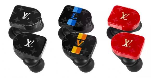 【まさかの】ルイ・ヴィトンがワイヤレスイヤホン発表!お値段995ドル https://t.co/5DUr9OnTqZ  Master & Dynamicの「MW07」(299ドル)がベースになっており、3モデル展開となるようです。